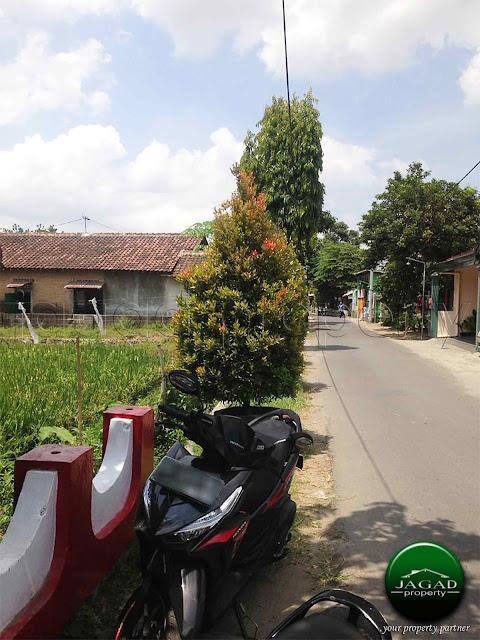 Tanah tepi jalan Aspal dekat Kampus PGRI Jogja