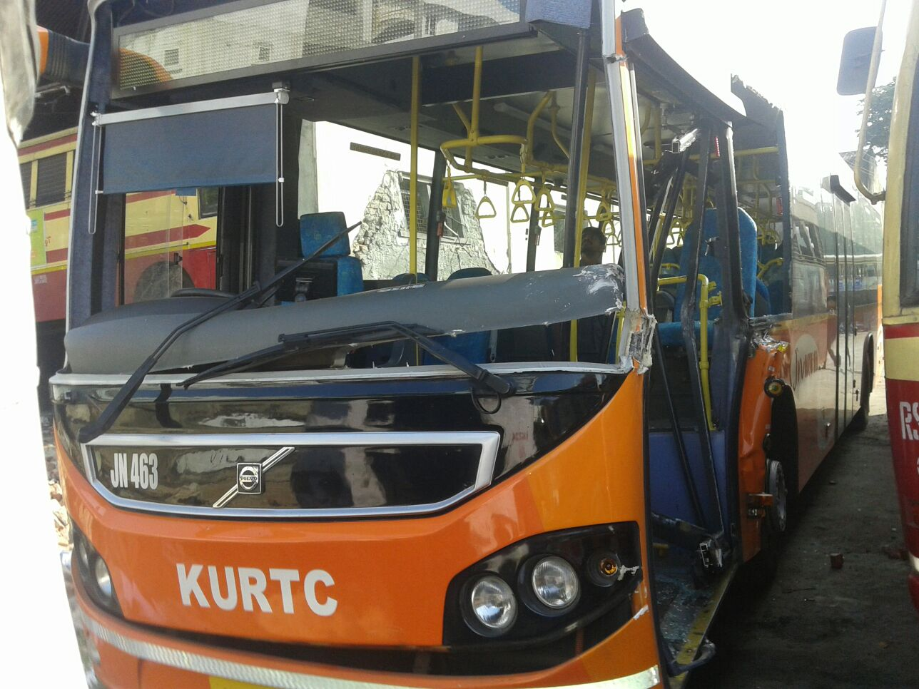 KURTC Volvo Bus Accident Near Palakkad | KSRTC IMAGE DATABASE