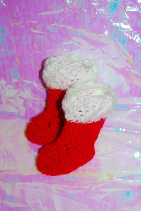Free Crochet Patterns And Designs By Lisaauch Santa Hat And