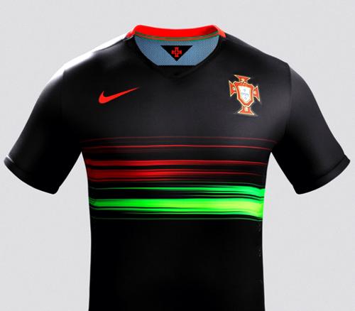 A Nike apresentou esta semana um novo equipamento alternativo da seleção de  futebol de Portugal que é todo fabricado com poliéster reciclado 373b8ec4fb9e6