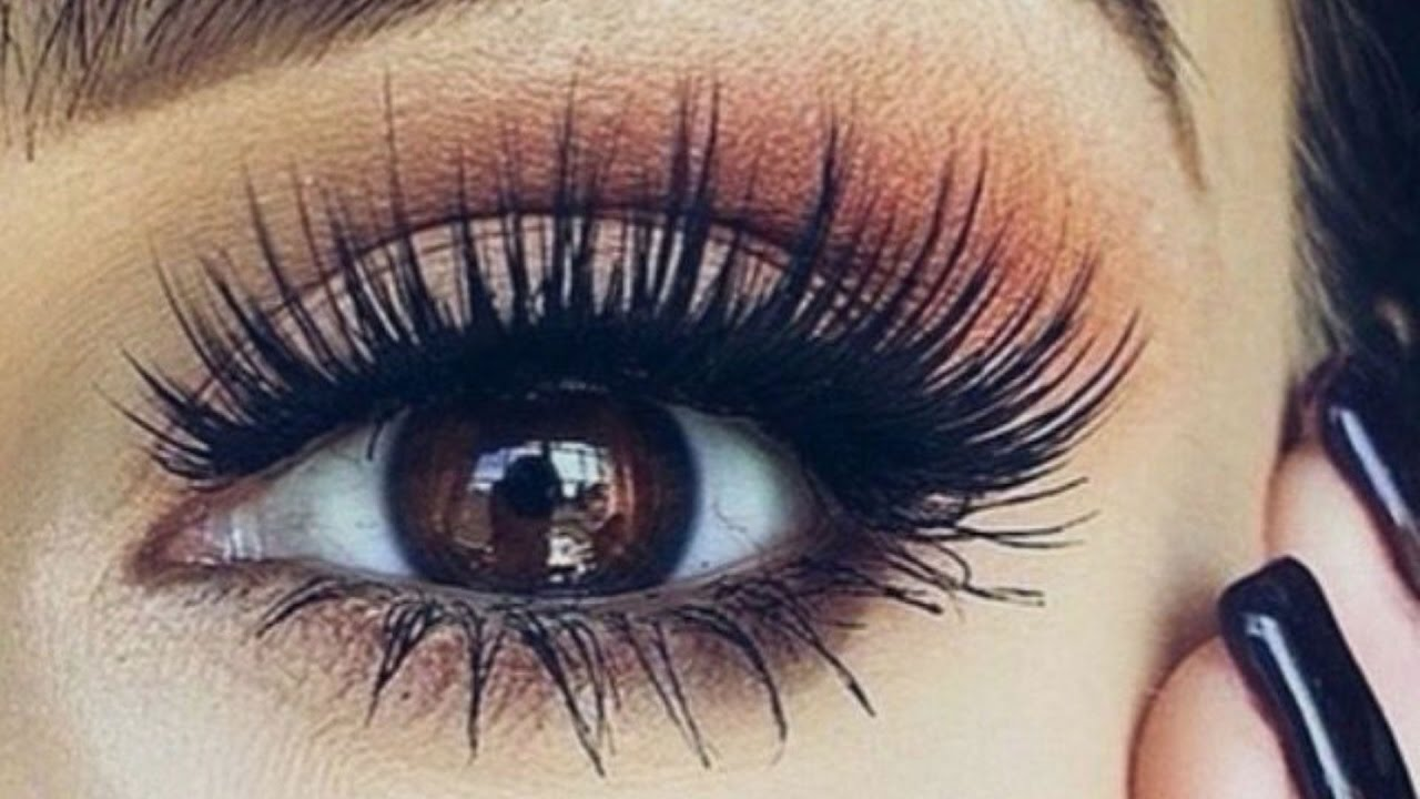 8 Steps To Perfect Eyelash Extensions
