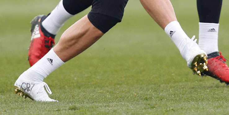 best loved 27cd2 57444 Cristiano Ronaldo to Debut Lower-Cut Nike Mercurial Superfly CR7 Vitórias  Boot