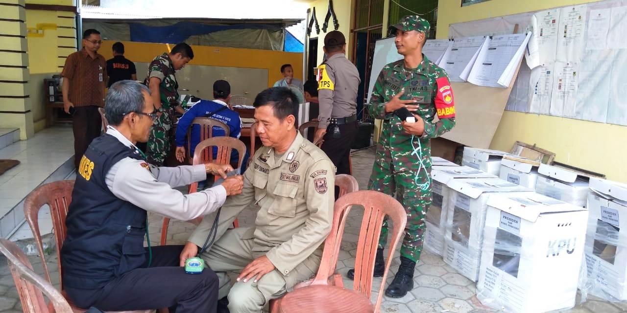 Periksa Kesehatan Petugas Pengamanan PPK, Polres Kebumen Terjunkan Tim Dokter