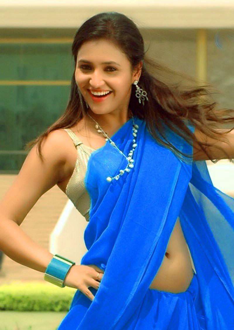 Priyal Gor Gorgeous Looking Photos - HD Latest Tamil