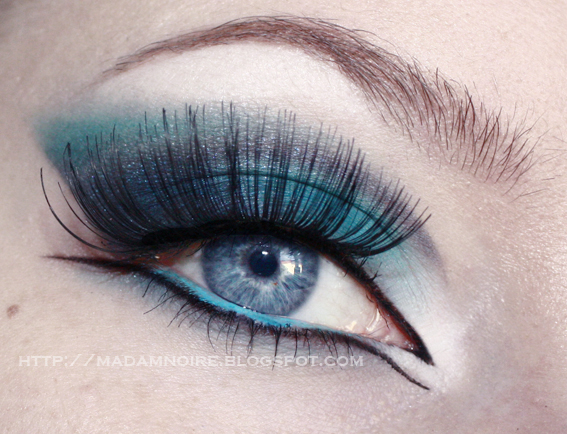 Makeup styles for blue eyes