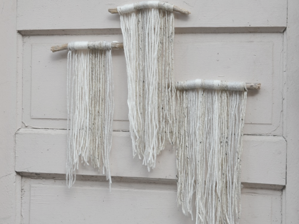 Basic DIY Yarn And Driftwood Macrame Wall Hanging For Beginners