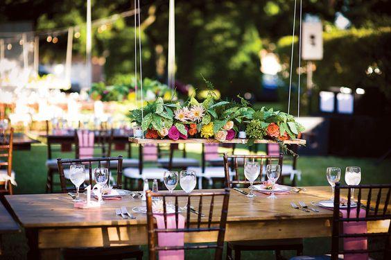 Decoraciones colgantes para bodas - Foto: www.bridalguide.com
