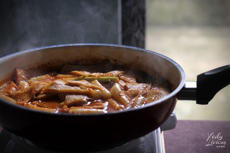 Toppoki Recipe in Manila, How To Make Tteokbokki Dukbokki Toppoki Korean Spicy Rice Cake Recipe, Popular Korean Street Food Snack Recipe, 떡볶이, Best Easy Tteokbokki Recipe, Tteokbokki Manila, Korean Food Recipe, Where To Buy Tteokbokki Korean Spicy Rice Cake in Manila, Top Best YedyLicious Manila Food Blog, Yedy Calaguas