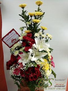 bouquet meja hadiah ulang tahun