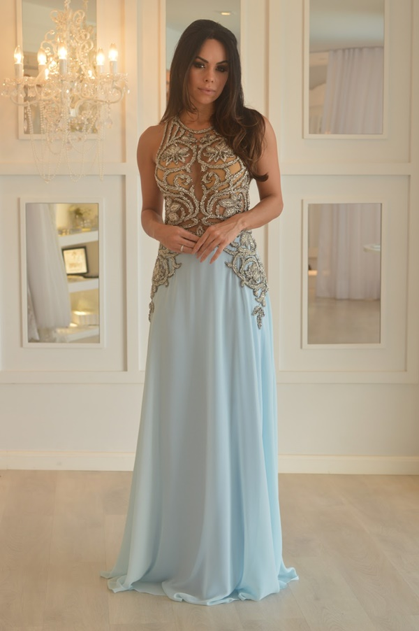 vestido de festa azul claro bordado