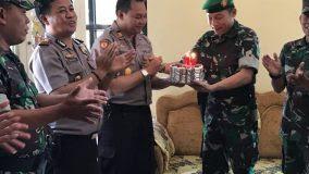 Dalam Rangka HUT Bhayangkara Ke 72 Koramil Grogol Sukoharjo Beri Kejutan
