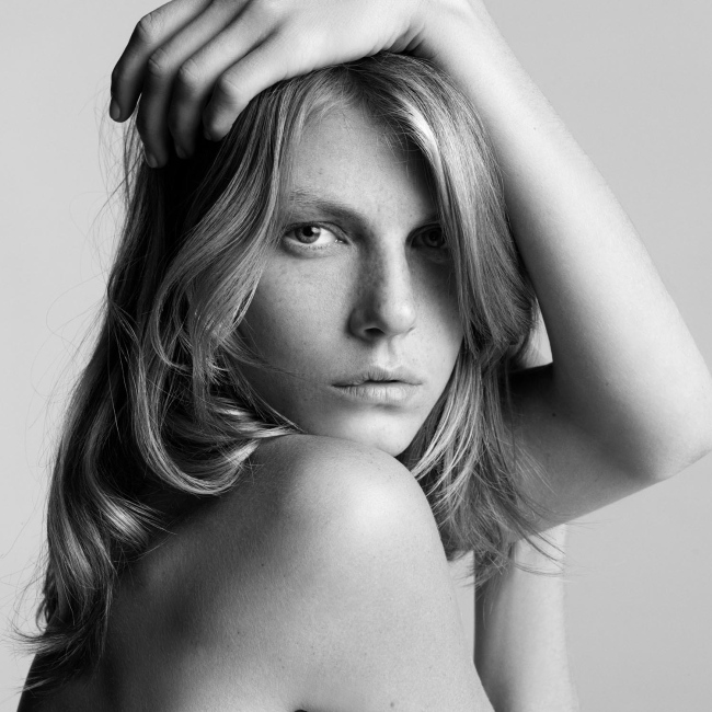 facebo angela lindvall born - 650×650