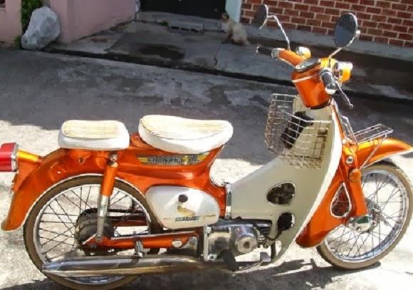 Foto modifikasi sepeda motor honda c70, c700 modif jok dan warna cat keren