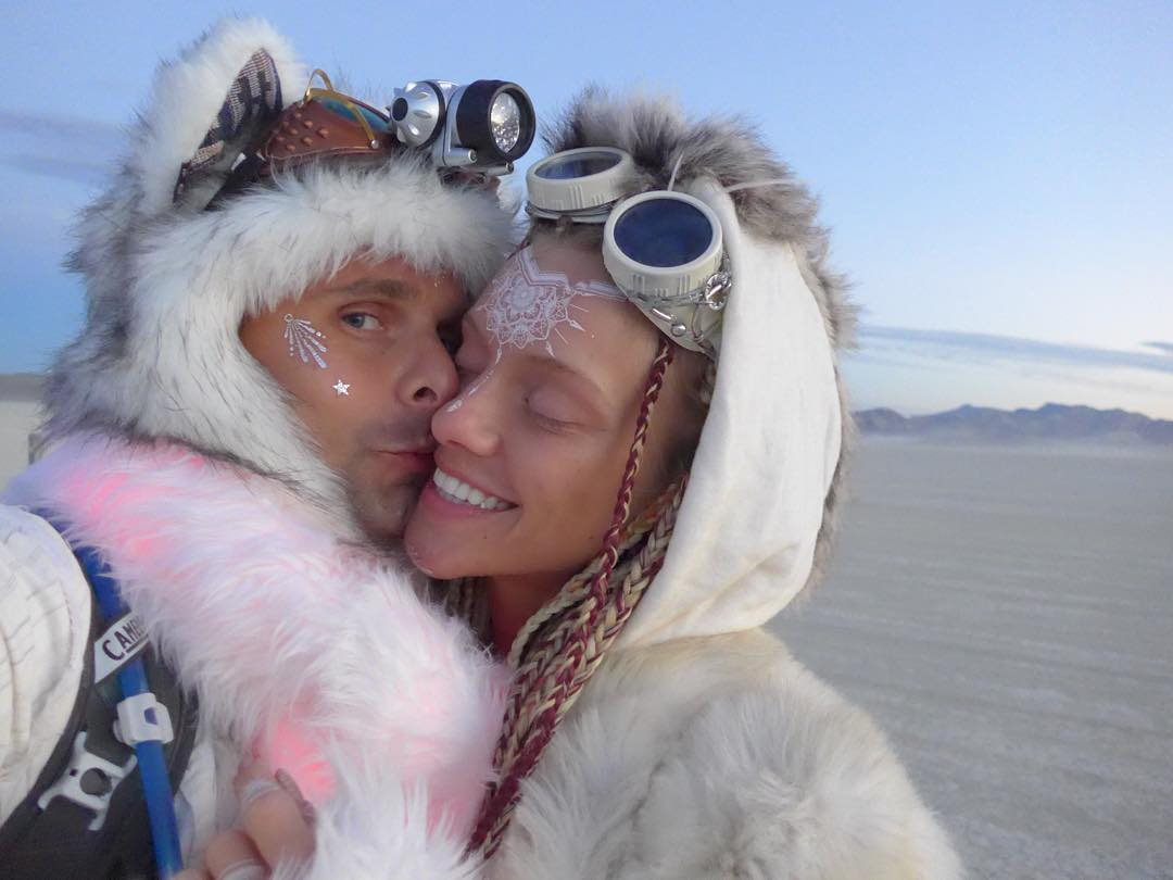 drones in los angeles with Matt Bellamy And Elle Evansseptember on Futuristic Highway Patrol Unmanned Vehicles likewise Drone Schools California likewise Palacio Salvo Y La Avenida 18 De Julio Montevideo as well 16 Pictures Blurred Lines Model Elle Evans furthermore Fete Holi Inde.