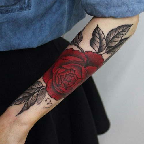 forearm red rose tattoo kırmızı gül kol dövmesi