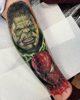 Tatuaje de Hulk y Spiderman