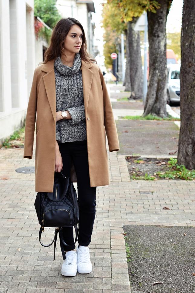 capsule de mode mode et lifestyle bordeaux le long manteau beige une histoire d 39 amour. Black Bedroom Furniture Sets. Home Design Ideas