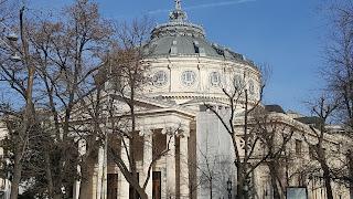 Tra i motivi per visitare Bucarest  la bella architettura dell'Atheneum