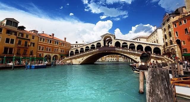 Passeio ao ar livre por Veneza na Itália