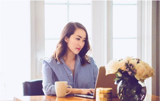 7 mẹo giúp chăm sóc da cho chị em văn phòng