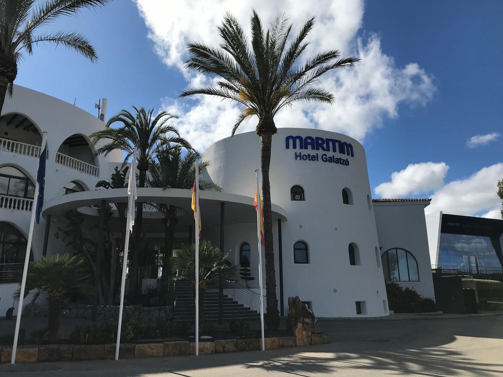 Maritim Hotel Galatzo Entrance