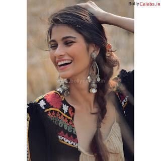 Samara+Tijori+Stunning+new+bollywood+actress+of+movie+Bhoot+%7E+bollycelebs.in+Exclusive+Pics+07.jpg