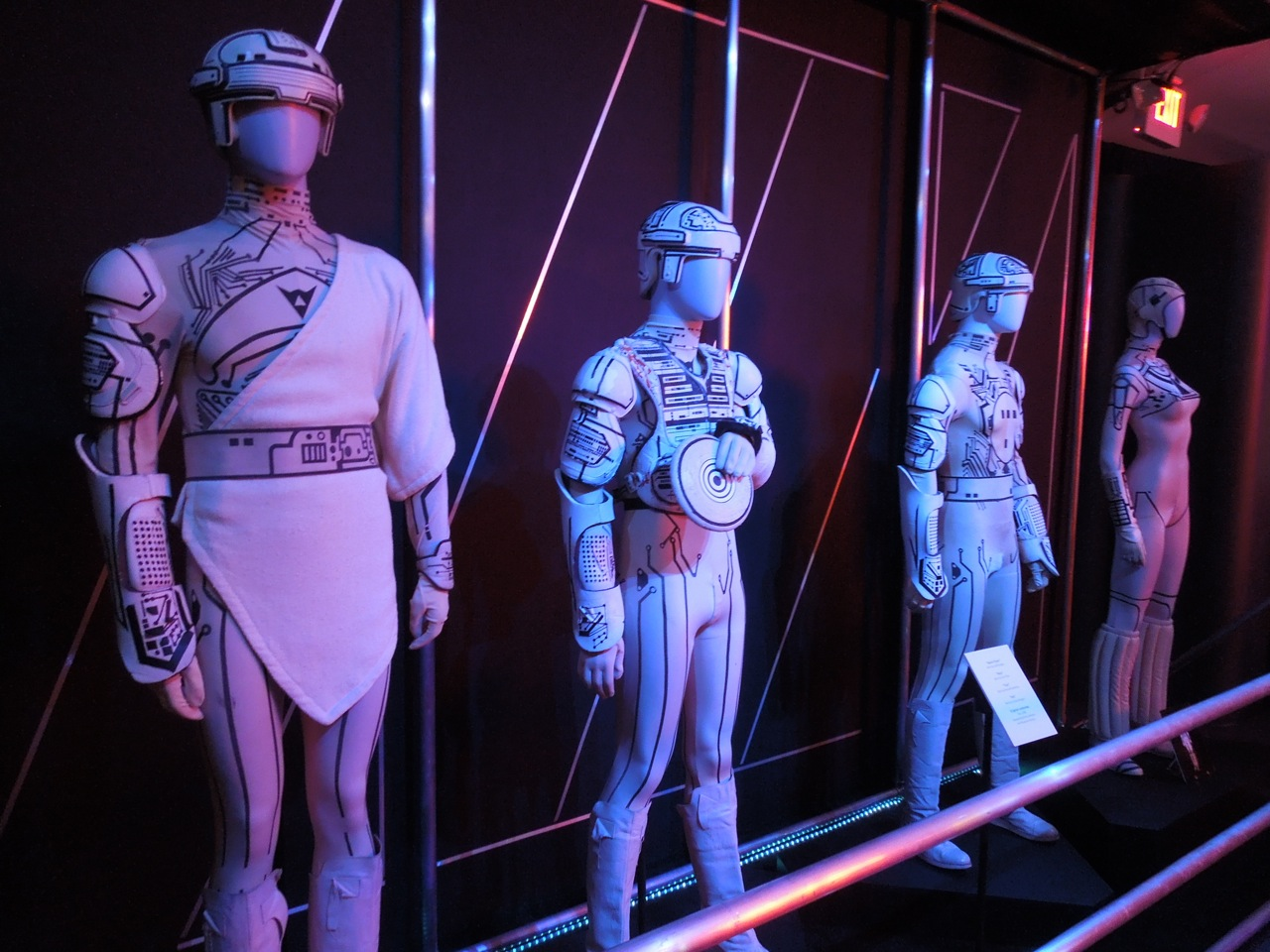 1982 Tron movie costume exhibit & Hollywood Movie Costumes and Props: Original 1982 Tron movie ...
