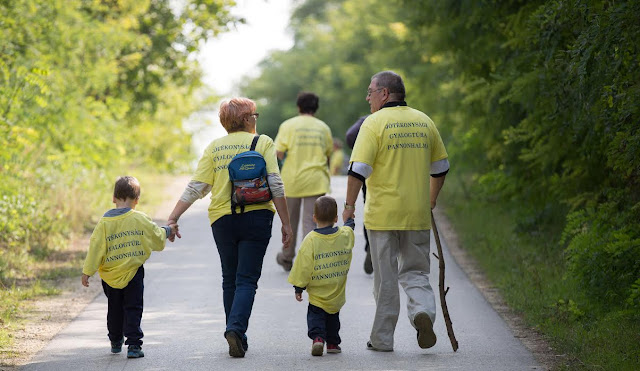 2016. szeptember 24-én, szombaton, a Győr Arrabona Lions Club immár 14. alkalommal rendezi meg a jótékonysági gyaloglását Pannonhalma környékén. A nevezési díjakból, amely felnőttnek 2000 Ft, gyereknek 1000 Ft, befolyt összeget a vakok és gyengén látók és a mindszentpusztai Autista Lakóotthon támogatására fordítjuk.