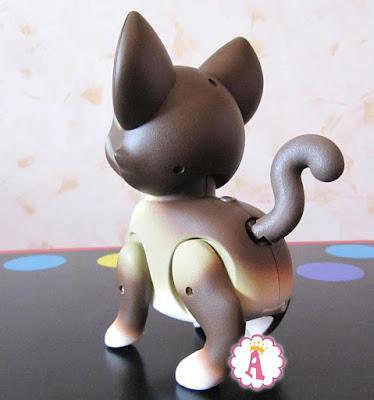 Кошка интерактивная Лаки Кьютси петс вид сзади