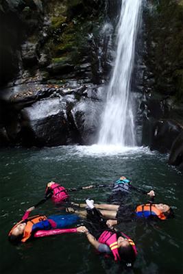 Lokasi Curug Naga, Tempatnya Body Rafting Seru