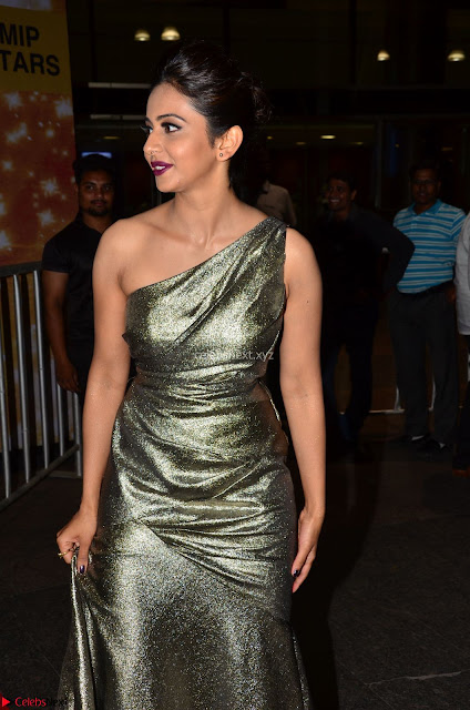 Rakul Preet Singh in Shining Glittering Golden Half Shoulder Gown at 64th Jio Filmfare Awards South ~  Exclusive 001.JPG