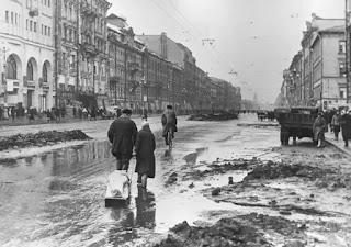 Las calles de Leningrado durante el sitio