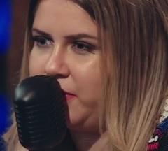 Marília Mendonça lança clipe de Estranho