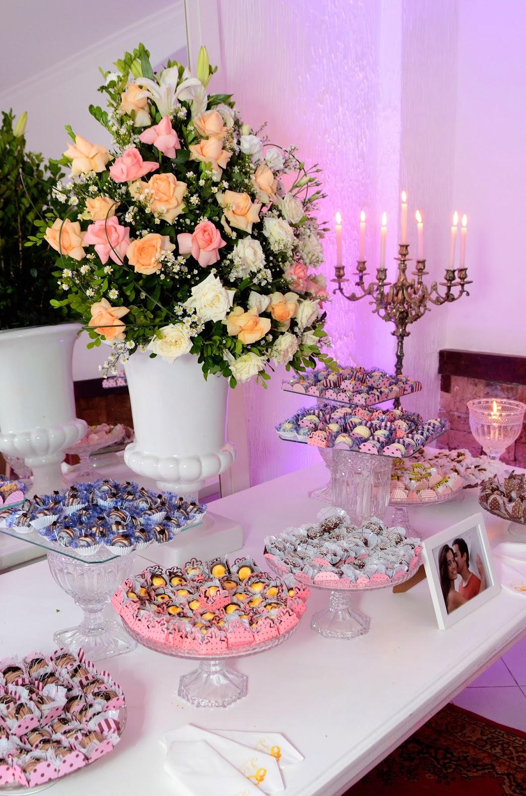festa - recepção - mesa de doces - doces - decoração - decoração da festa