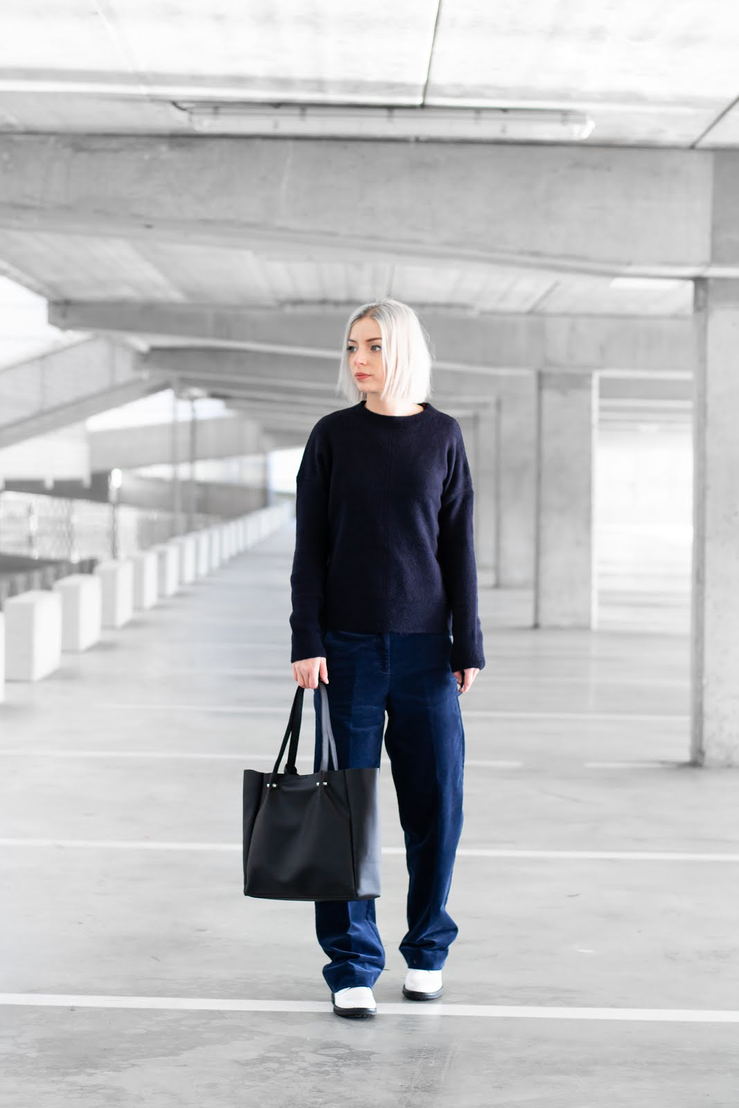 s.Oliver, wide leg trousers, wijde broek, dark blue, navy, monochrome, minimalist, outfit, street style, inspiration, belgium, 2019, trend, how to wear