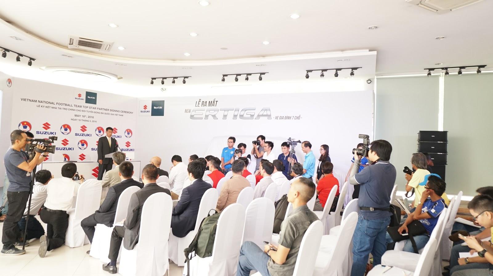 Lễ ra mắt Suzuki Eritga Facelift 2016 với sự tham gia của báo chí và VFF