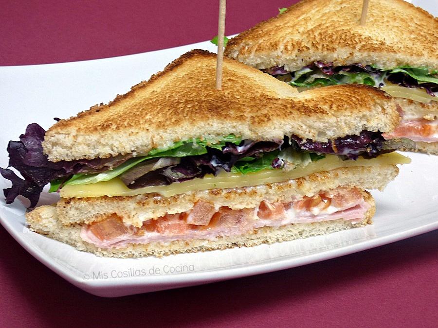 sándwich jamón, queso y lechuga
