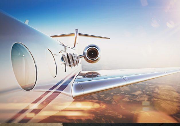 مضيفة طيران تبتكرحلا طريفاً لراكب اشتكى من عدم وجود نافذة بجانب مقعده!