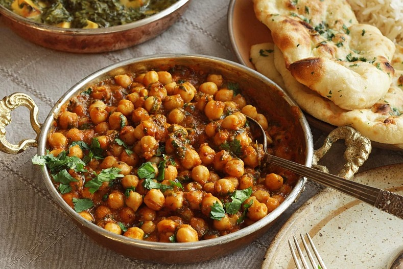 Chana Masala - ciecierzyca ze szpinakiem lub z pomidorami
