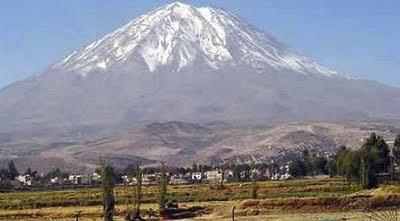 Foto del Volcán Misti de Arequipa tomada de día