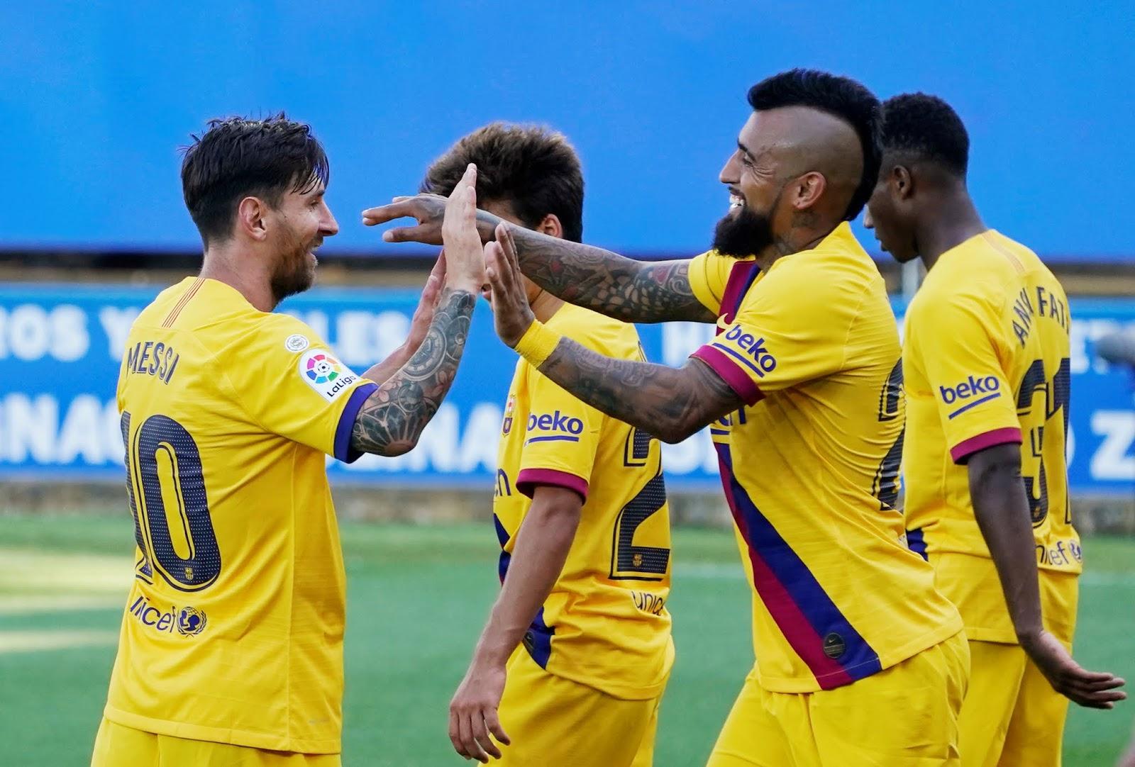 Messi anotó un doblete y el Barcelona cerró su Liga con una goleada