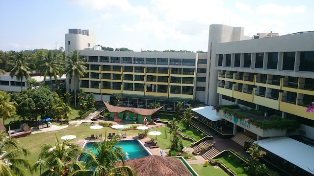 Swimming Pool Batam View Resort - Image: Author