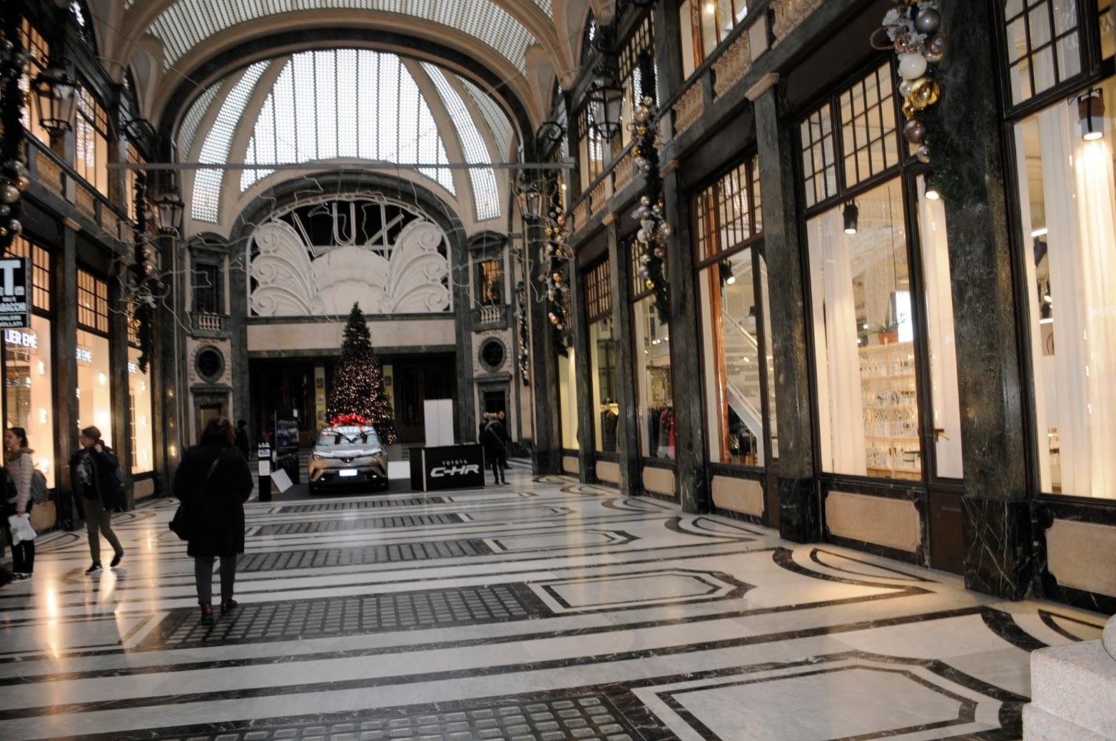 Ristorante La Credenza Galleria San Federico : Armadillo bar vino cibo e musica fior fiore fiorfood by la