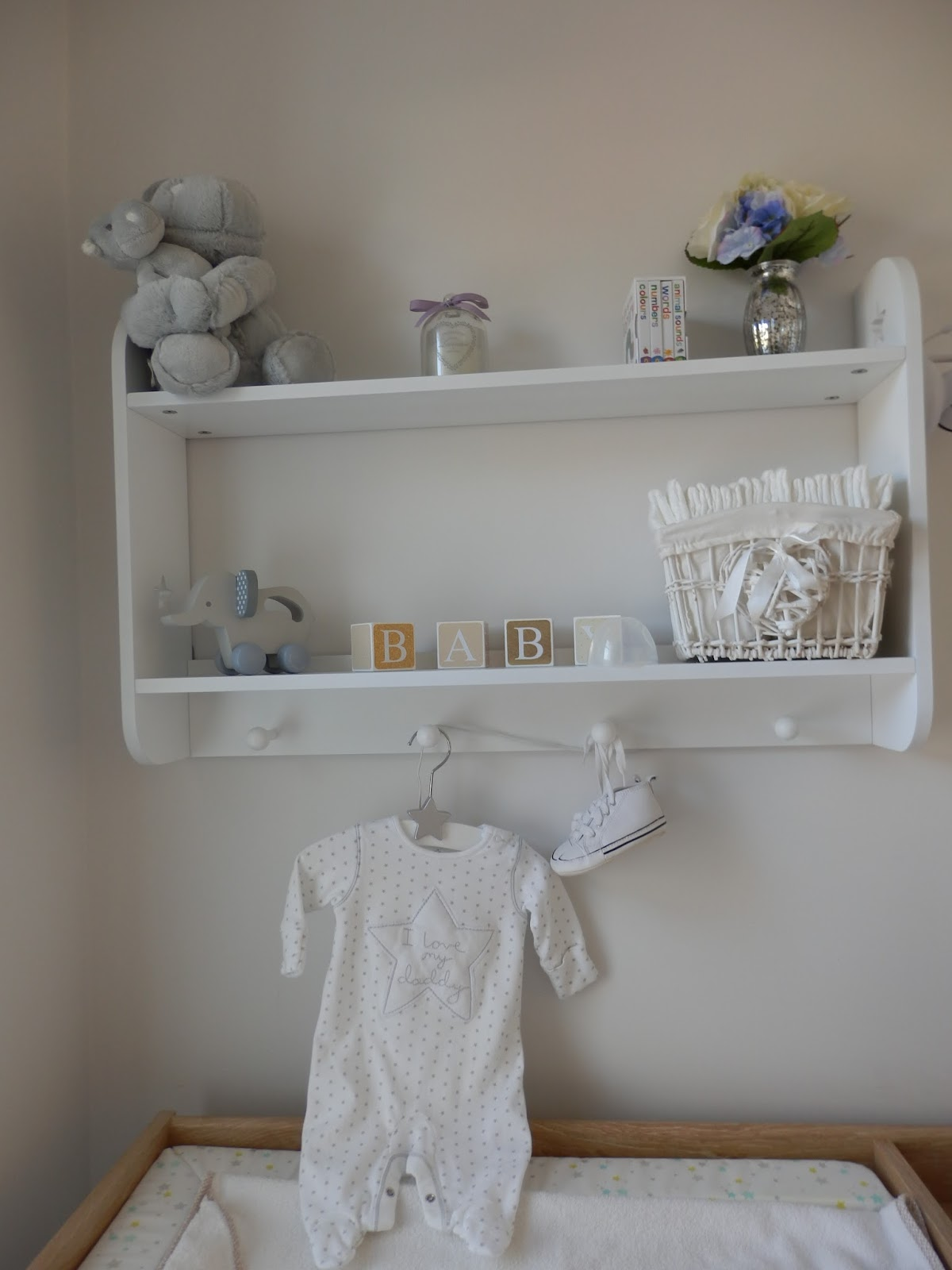 doyounoah: How to decorate a small nursery
