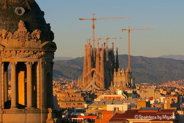 Basílica de la Sagrada Família 夕日に染まるバルセロナのサグラダファミリア