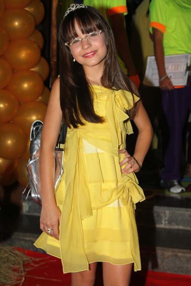 Ela é atriz, cantora e já trabalhou também como modelo. Aos 12 anos de  idade, a pequena Larissa Manoela, que ganhou fama por interpretar a  personagem Maria ... 5f0a3e757a