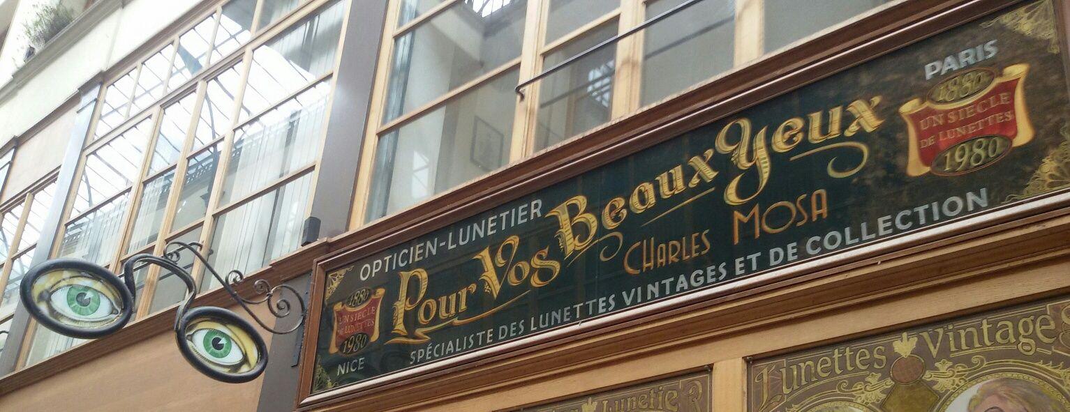9b93d501024fc2 Le passage du Grand Cerf est un de ces fameux passages parisiens couverts  d une verrière, qui abritent des trésors de boutiques vintage.