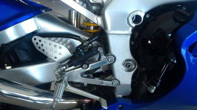 IMG 0327 - A galinha choca (e as motos com isso !?!...)