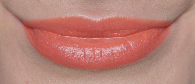 rimmel apocalips lip lacquer 500 luna swatch