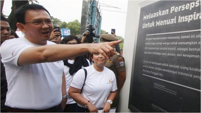 Ahok saat meresmikan Taman Pandang Istana
